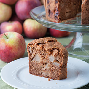 Apple Spice Cake with Apple Pieces