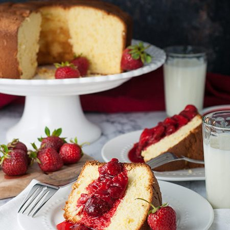 Portuguese Sponge Cake (Pão de ló) with Strawberry Compote