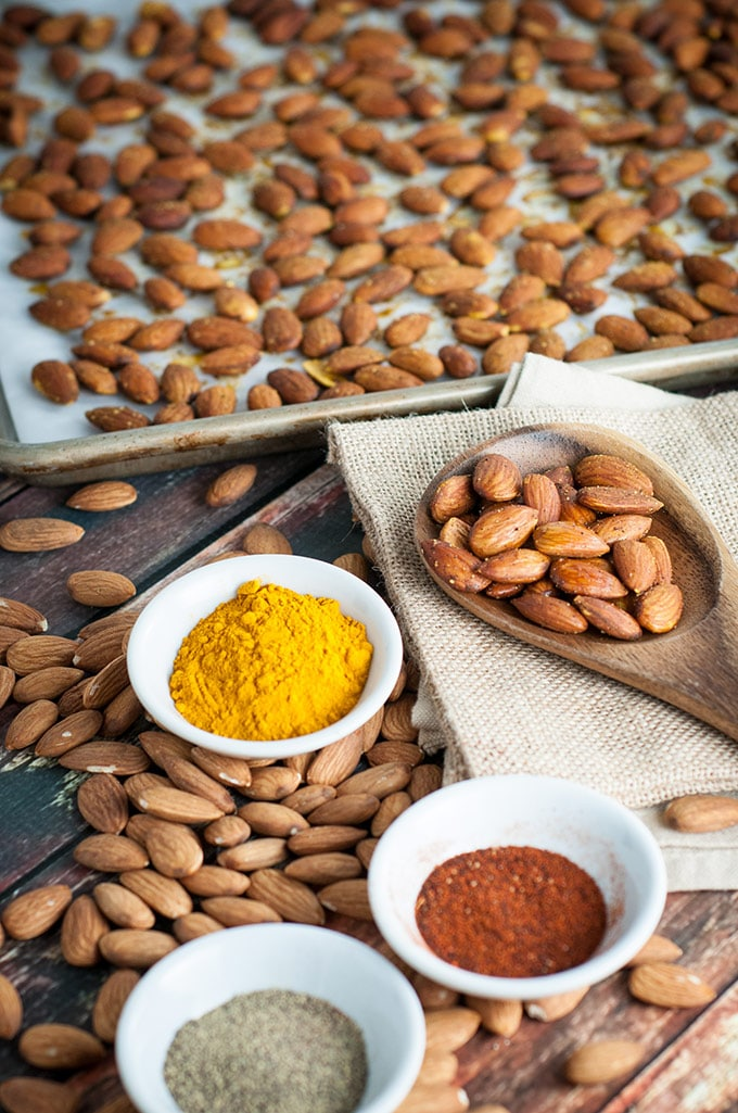 Turmeric roasted almonds