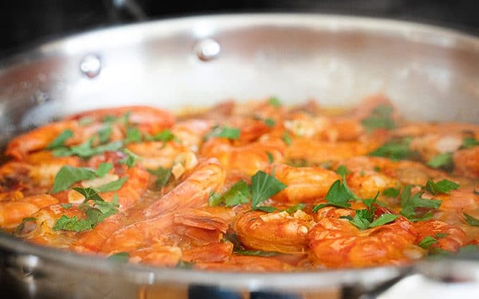 Quick Portuguese shrimp in wine and garlic marinade – Camarão de vinha d'alhos