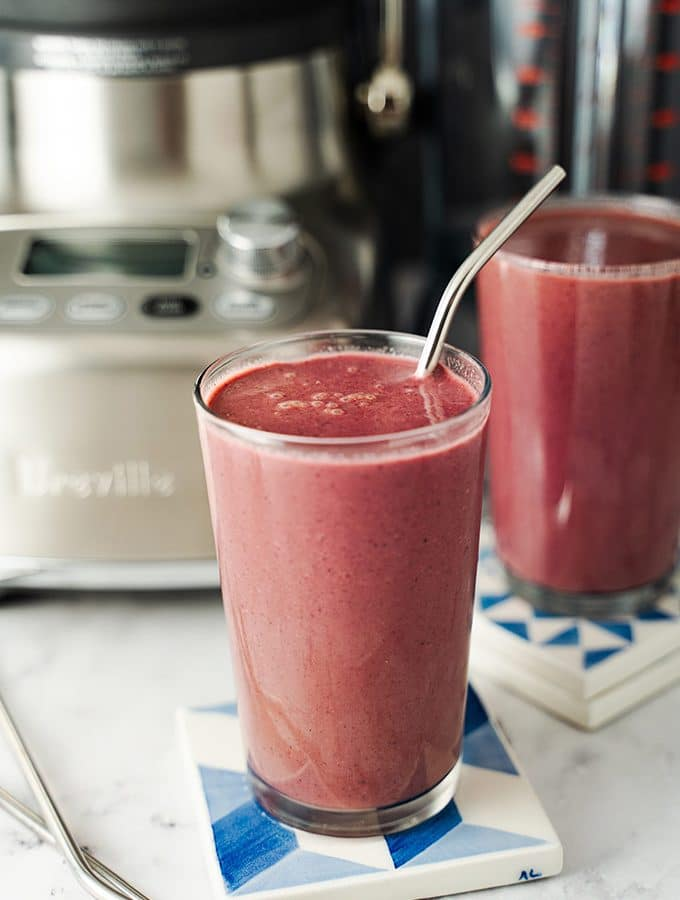 Beet, apple and spinach smoothies